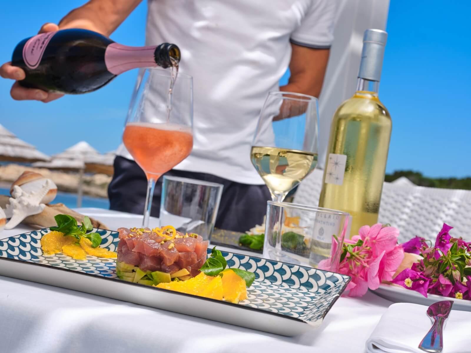 Un pranzo in riva al mare